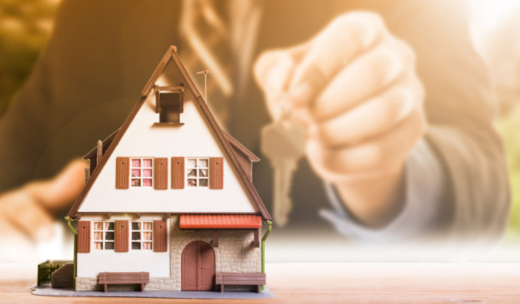 Why You Should Speak to a Large Mortgage Broker and Not go Directly to a Lender?